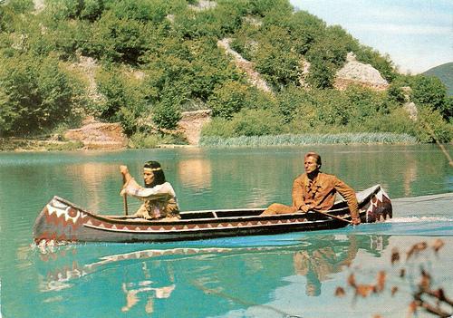кадр из фильма на озере