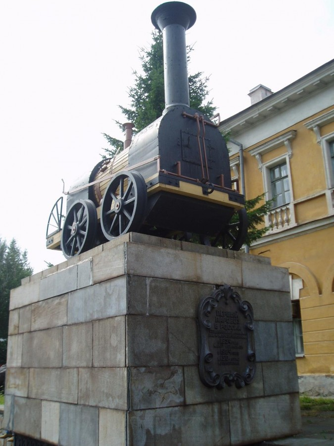 First_locomotive_Russia