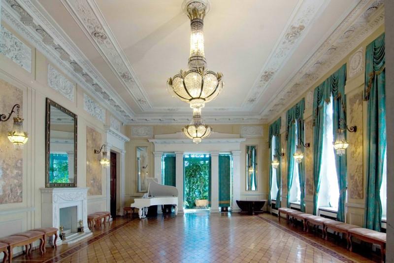 Белый зал.jpg