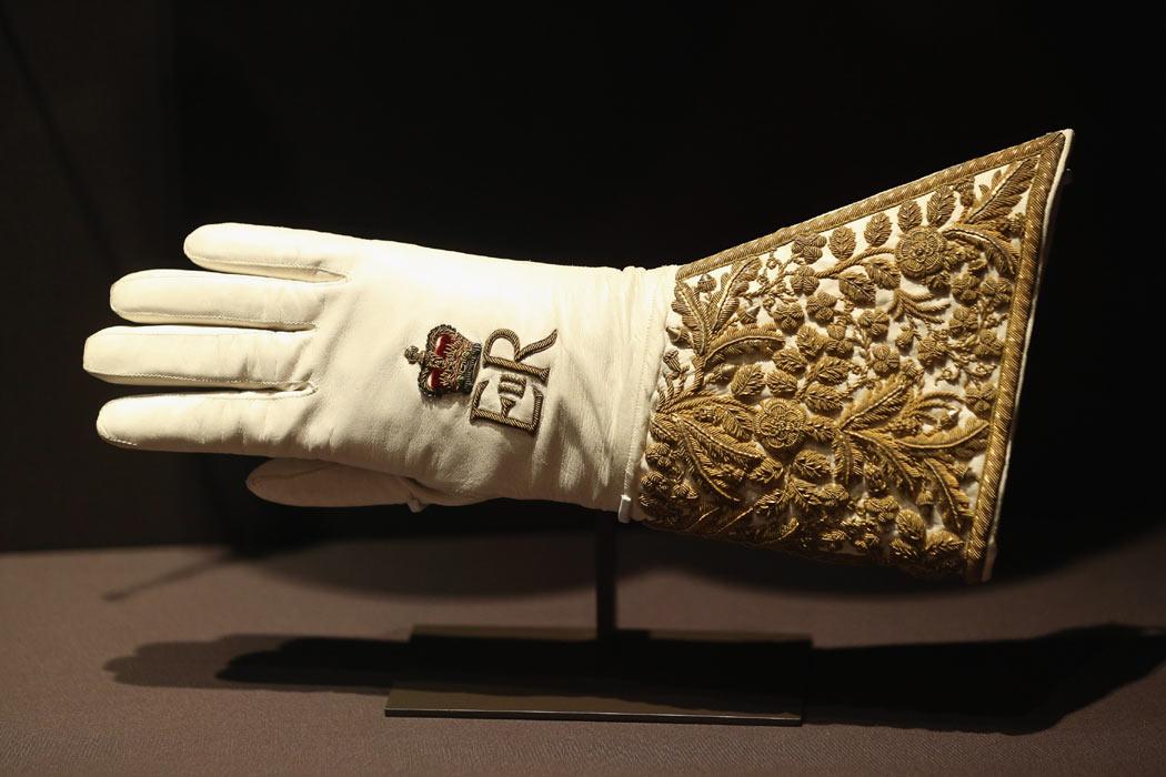 glove--a