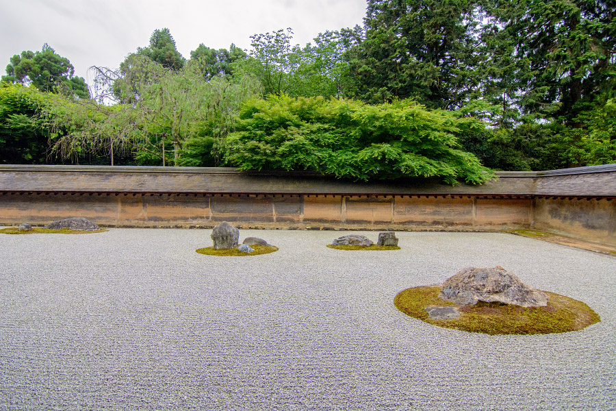 japan1210.jpg