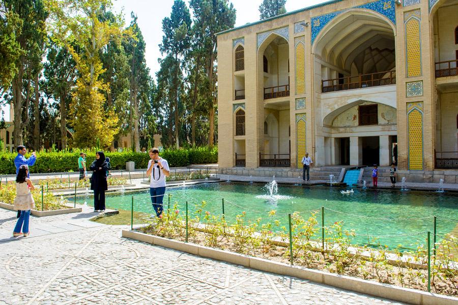 iran82.jpg