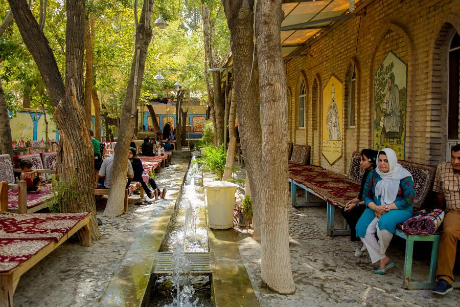 iran124.jpg