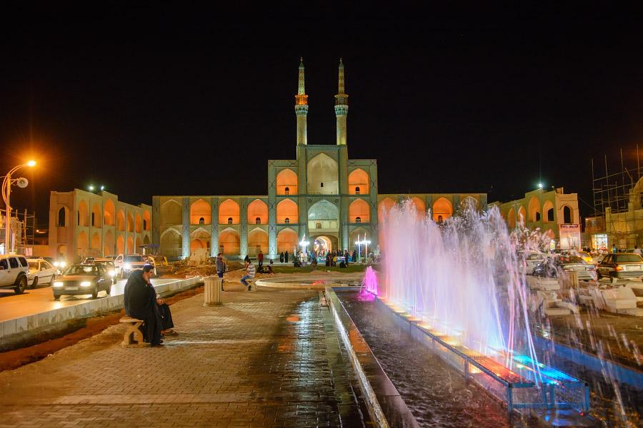 iran894.jpg