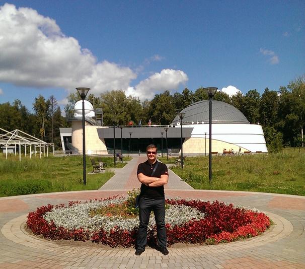 Перед Казанским планетарием.jpg