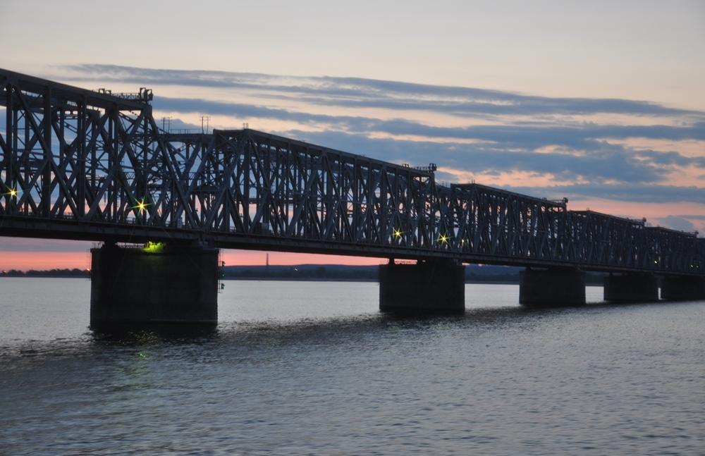 императорский мост река волга фото детали