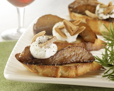 Balsamic Glazed Pear and Goat Cheese Crostini for web