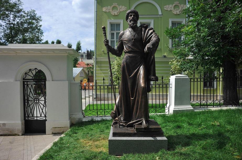 Бла-бла-бла... в Москве открылся памятник Грозному... Бла-бла-бла