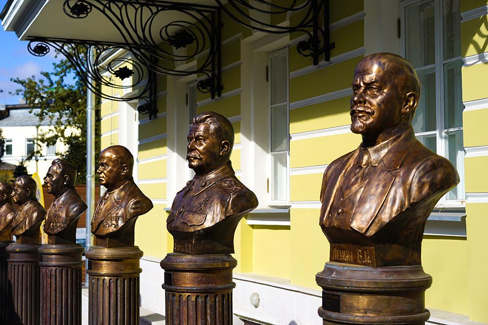 Памятник Сталину: живите и дайте жить другим