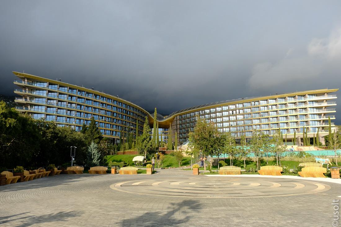Самый крутой отель в Крыму: стоит того или нет?
