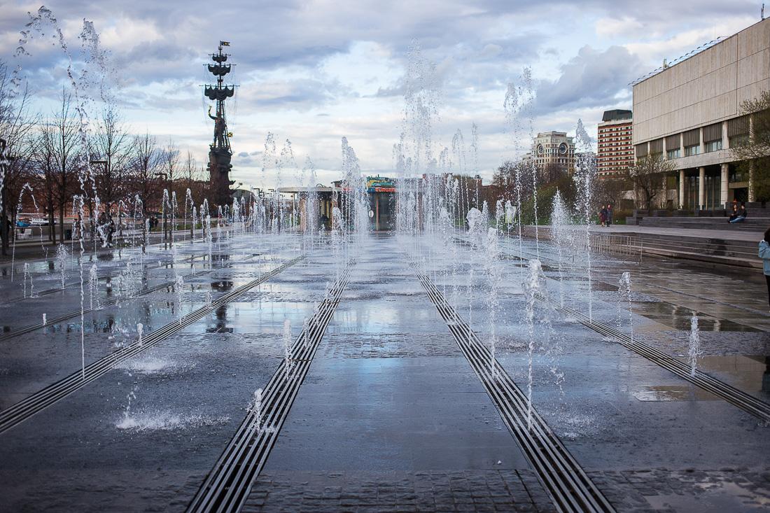 частично сухие фонтаны в москве фото его словам, единственное