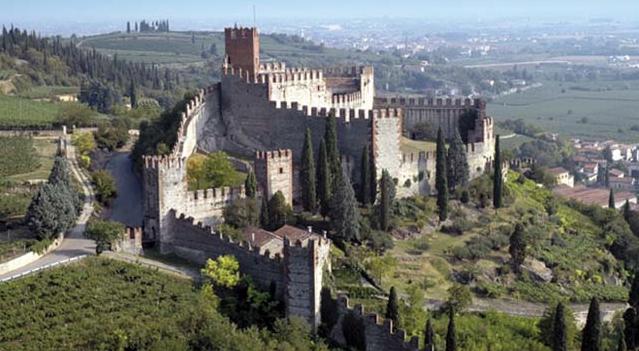 2) Замок Скалигеров, Соаве (в 23 км от Вероны)