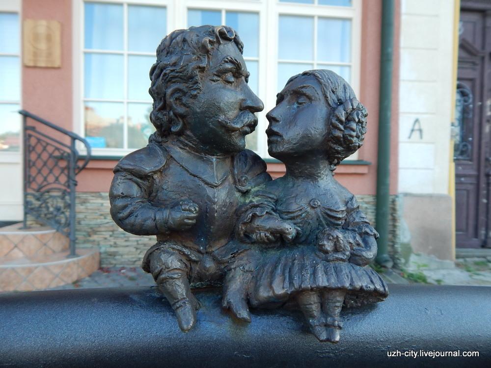 2 мини-скульптура Берчени Ужгород