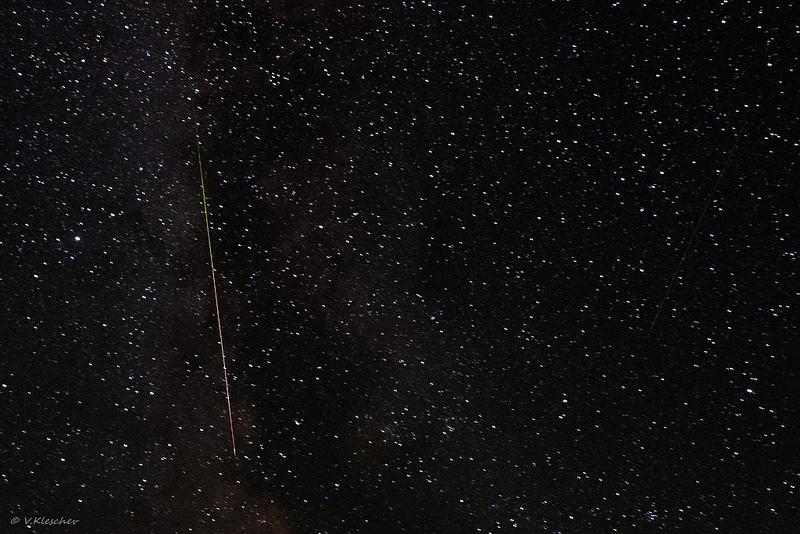 Метеор на млечном пути крупно