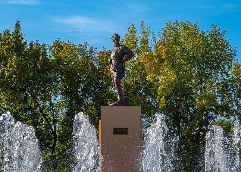 Памятник Чапаеву в Чапаевске