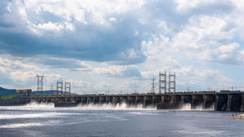 Пропуск воды на Жигулевской ГЭС