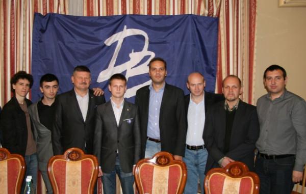 http://ic.pics.livejournal.com/v_milov/15837008/112500/112500_600.jpg