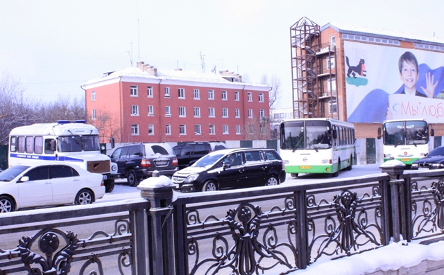 http://pics.livejournal.com/v_milov/pic/00031d8r