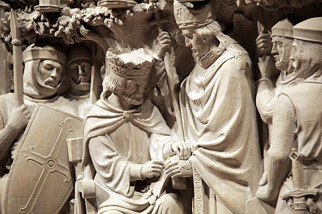 """Композиция на Вашингтонском кафедральном соборе. Король под наблюдением """"вежливых людей"""" подписывает Великую хартию вольностей."""