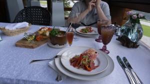 Карпаччо из марала (очень вкусно), грузди, кедровка, квас...