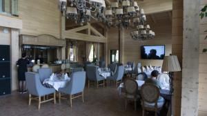 """Ресторан в """"Altay Village""""..."""
