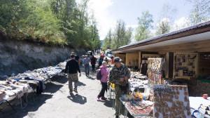 Торговые ряды на перевале Чике-Таман.