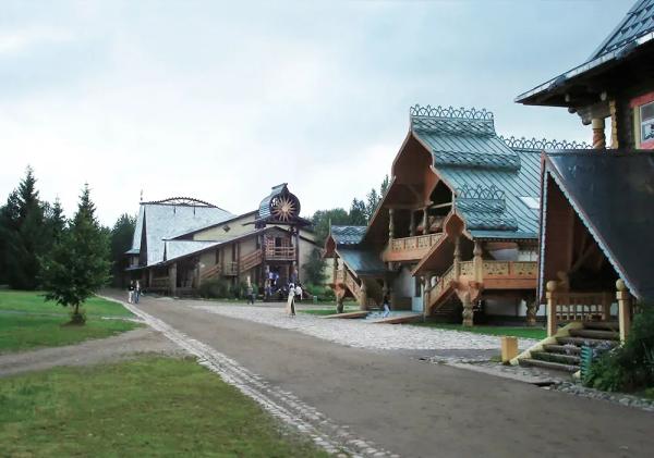 Эко-деревня Верхние Мандроги, Ленинградская область, Россия.