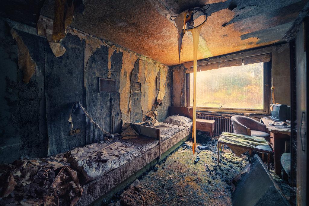 родители картинки заброшенного дома внутри поражает