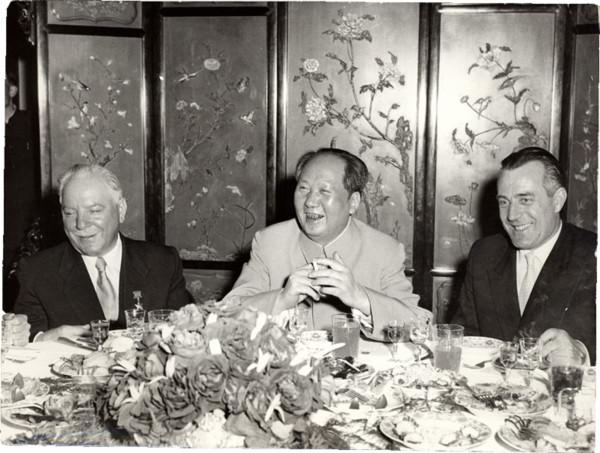 В.П. Елютин и К.Е. Ворошилов на приеме государственной делегации СССР у Мао Цзедуна. Пекин. Май 1957 г.
