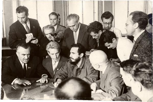 Встреча В.П.Елютина с Фиделем Кастро в Московском государственном университете. Май, 1963 г.