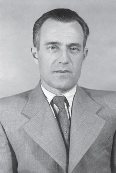 Вячеслав Елютин