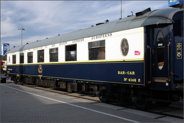 pullman wagon passenger carriage Corail