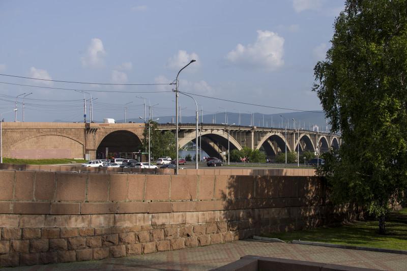 Реки и мосты.