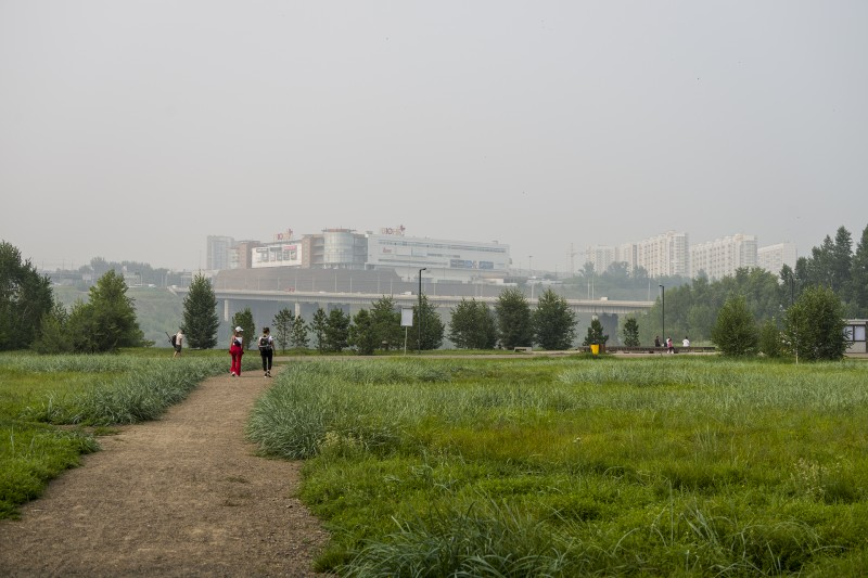 """""""Июнь"""" в дыму, в тумане август..."""