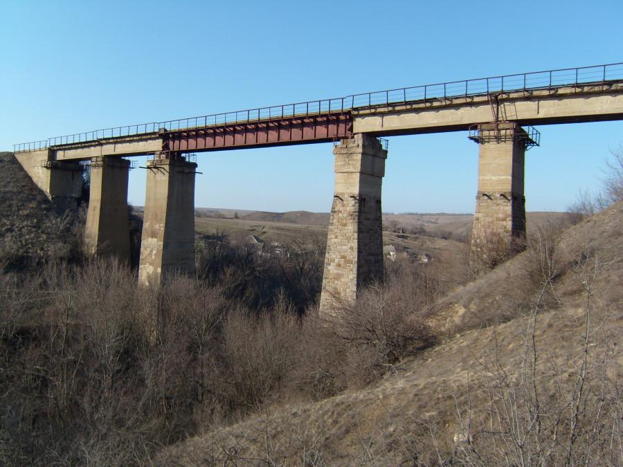 Жд мост у с. Первозвановка Луганской обл.