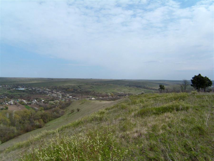 Вид с горы на п. Македоновка Луганской обл.