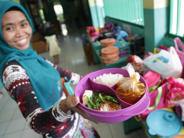 jakarta-indonesia-rice-meatball-soup-tofu-and-vegetables