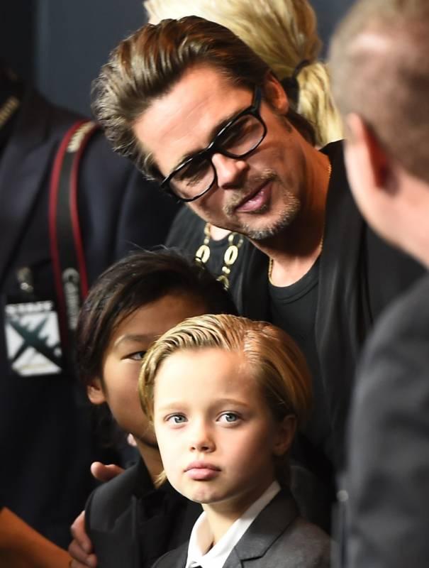 03_Shiloh_Jolie_Pitt_dressed_as_a_boy