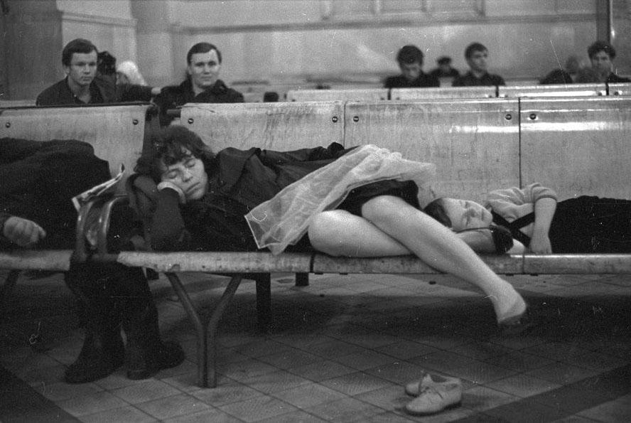 Виктор Ершов На Киевском вокзале 1-2 сент 1970 888