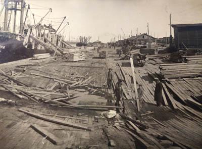 Биржа СЛДК после ледохода 1953 400