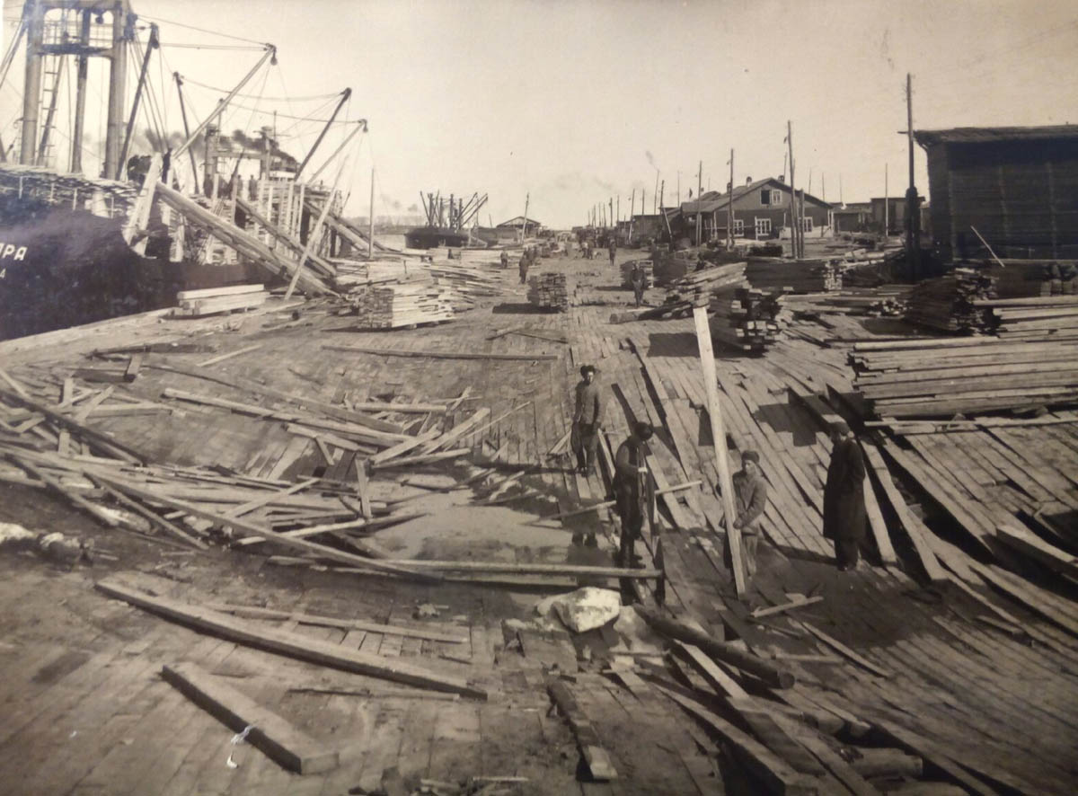 Биржа СЛДК после ледохода 1953 1200