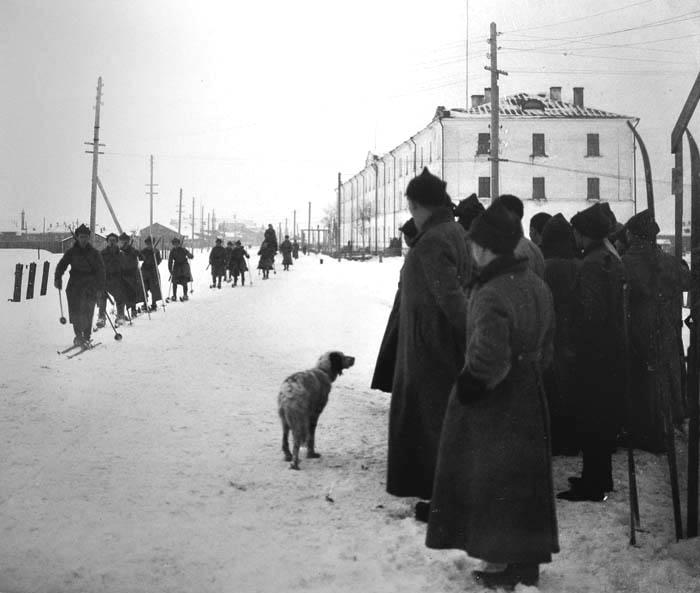06_Лыж трен красноарм у Каз Восст 1928 700