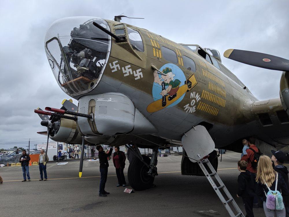 Бомбардировщик Б-17 Nine-O-Nine