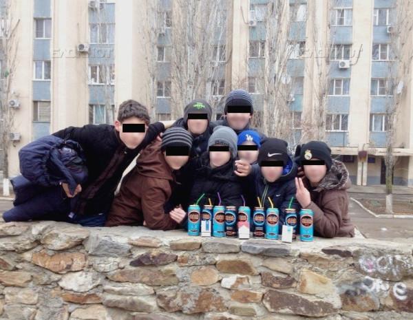 volgodonskie_shkolniki_sdelali_kollektivnoe_foto_s2