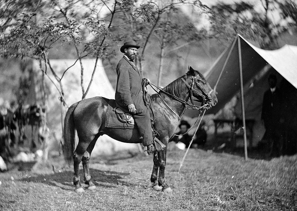 Allan_Pinkerton_on_horseback,_1862