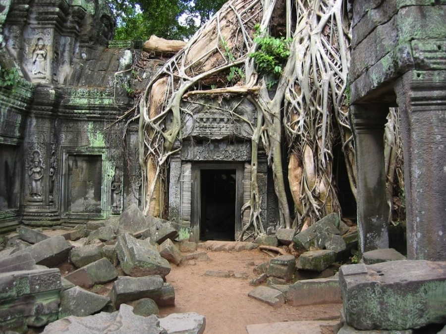 The-33-Most-Beautiful-Abandoned-Places-In-The-World-13