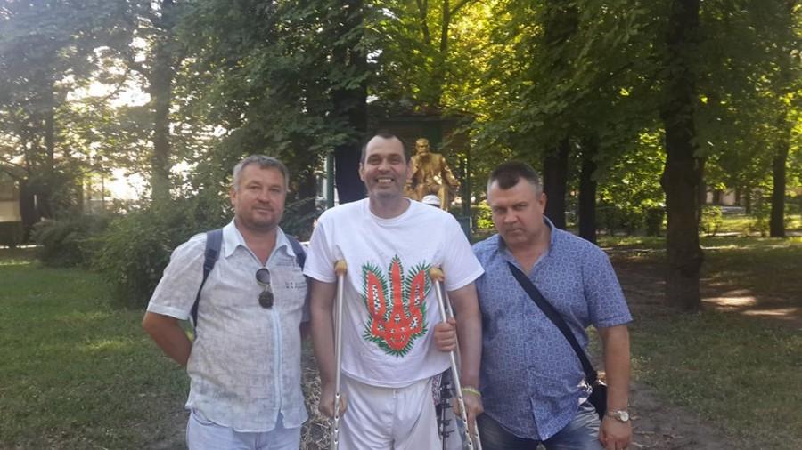 Раненый под Луганском солдат будет лечиться в США