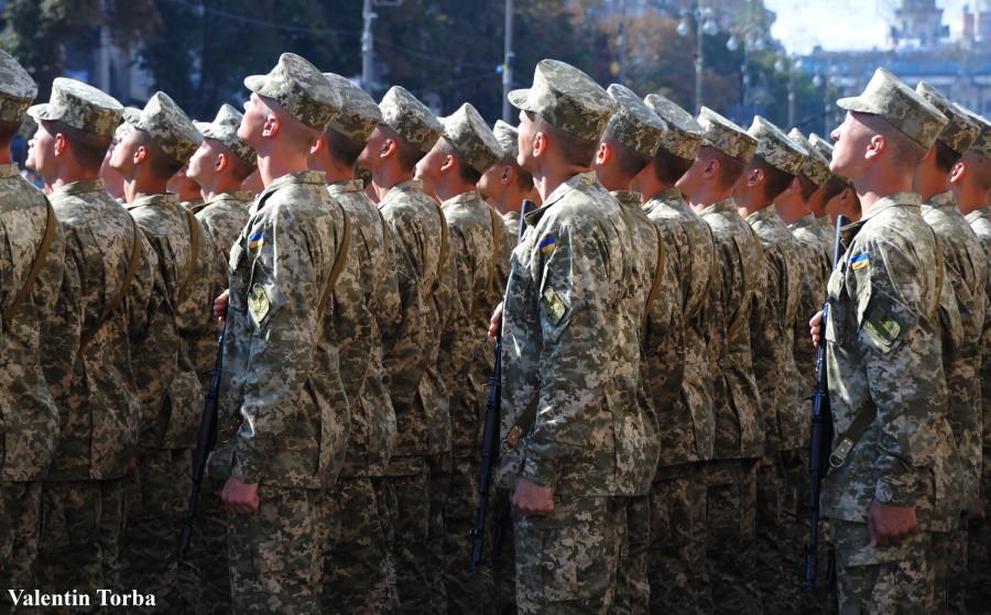 С начала года украинцы перечислили армии более 6 миллионов гривен