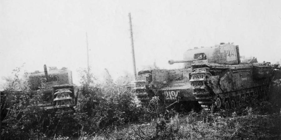 Как четыре подбитых советских танка немецкую оборону разнесли