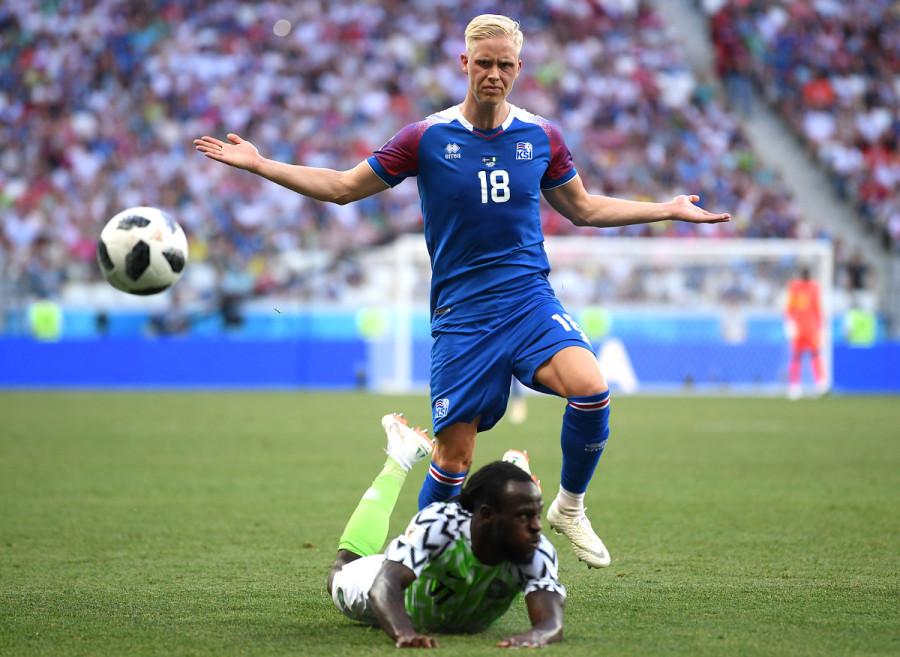 Викингов жалко! Исландия проиграла Мусе из Нигерии 0:2